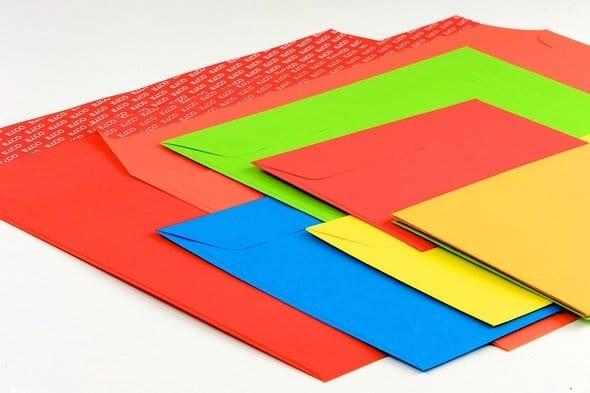 färgade kuvert